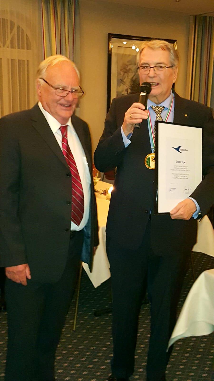 Goldene Auszeichnung für Dieter Epe