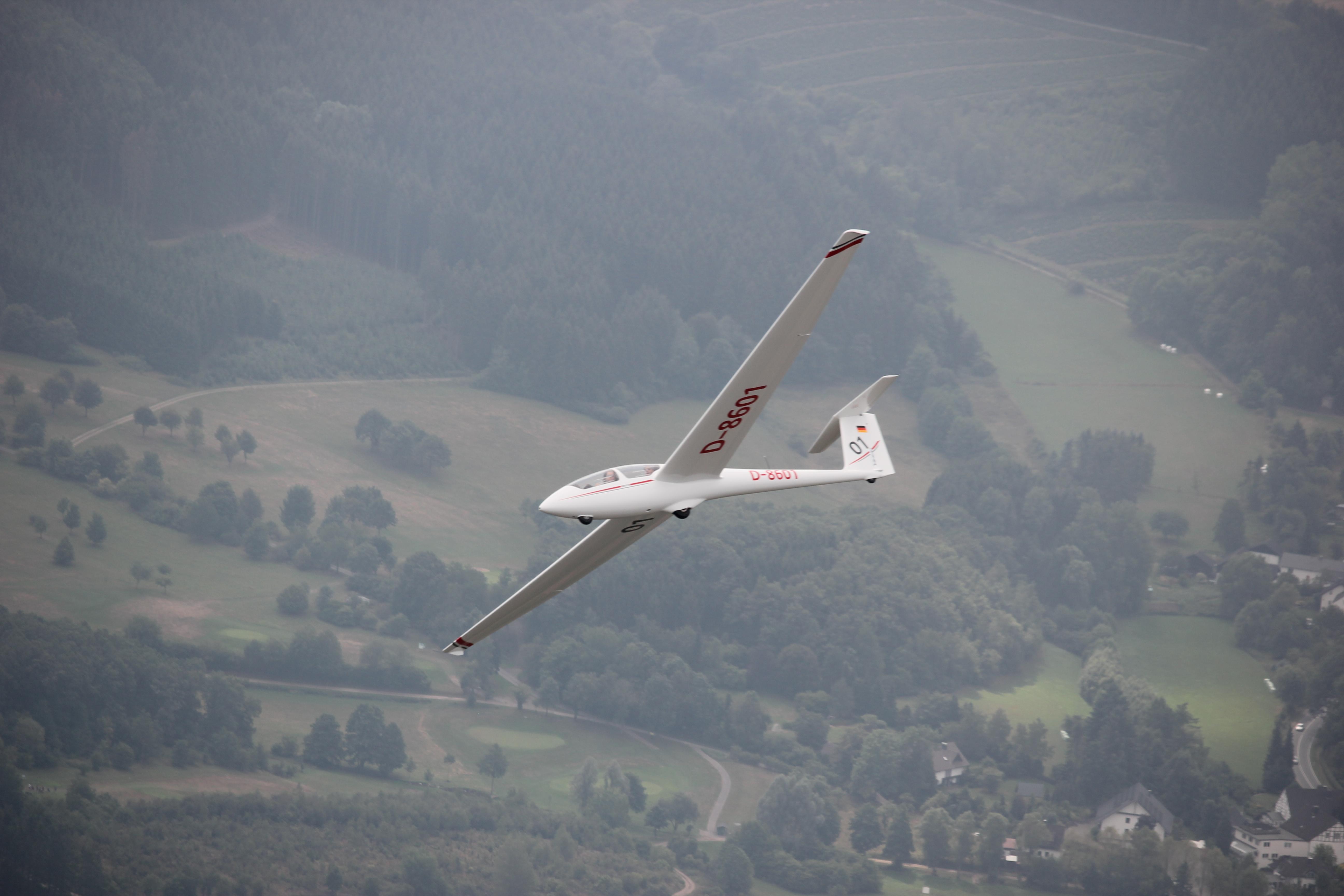 Sommerlehrgang mit neuem Segelflugzeug